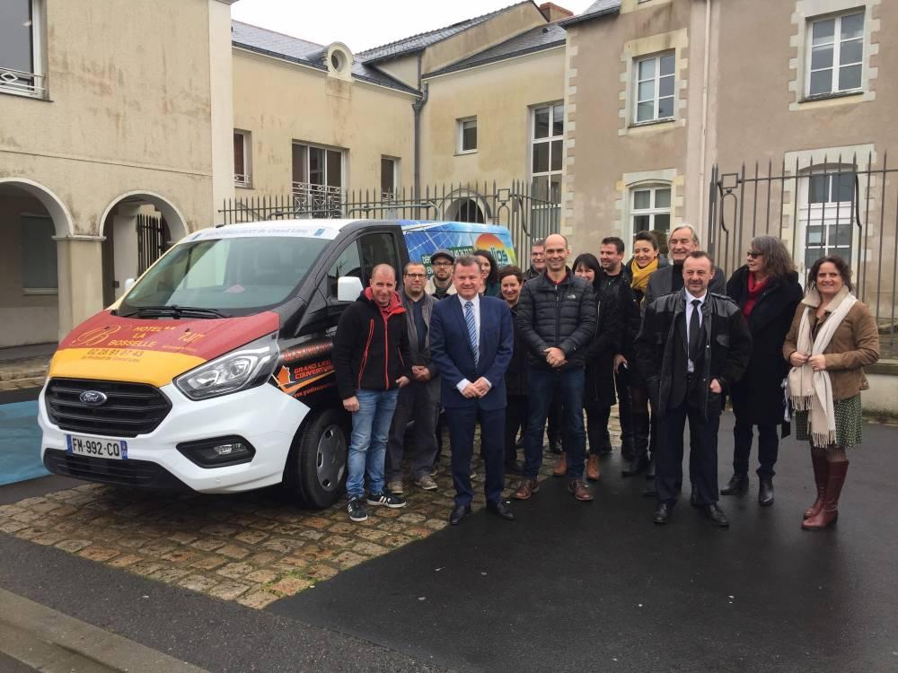 Helios Energie partenaire pour l'achat d'un mini bus adapté aux personnes à mobilité réduites